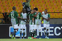 MEDELLÍN -COLOMBIA-13-05-2013. Jugadores del Nacional celebran el gol de la victoria en contra de Once Caldas durante partido de la fecha 15 Liga Postobón 2013-1 realizado en el estadio Atanasio Girardot de Medellín./ Nacional players celebrate the victory goal against Once Caldas during match of the 15th date of Postobon League 2013-1 at Atanasio Girardot stadium in Medellin. Photo: VizzorImage/Luis Ríos/STR