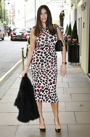 Lisa Snowdon<br /> Future Dreams Ladies Lunch, United for Her, Breast cancer charity's annual lunch to raise funds for further research and new treatments. Held at The Savoy Hotel, London, England on October 09, 2017.<br /> CAP/JOR<br /> &copy;JOR/Capital Pictures /MediaPunch ***NORTH AND SOUTH AMERICAS ONLY***
