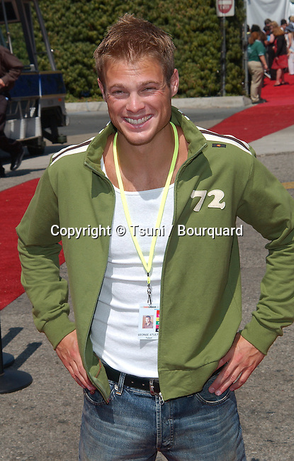 arrives at the Teen Choice Awards 2002 held at the Universal Amphitheatre in Los Angeles, Ca., August 4, 2002.            -            id_teen_109.jpg