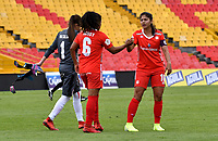 BOGOTÁ-COLOMBIA, 08-09-2019: Jugadoras de América de Cali, al final del primer tiempo de partido entre Millonarios y el América de Cali de ida de las semifinales por la Liga Águila Femenina 2019  jugado en el estadio Nemesio Camacho El Campín de la ciudad de Bogotá. / Players of America de Cali, at the end of the first time in a match between Millonarios and America de Cali of the semifinals for the 2019 Women's Aguila League played at the Nemesio Camacho El Campin Stadium in Bogota city, Photo: VizzorImage / Luis Ramírez / Staff.