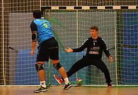 Markus Kochler (Langen) bezwingt Andreas Krasusky (Crumstadt/Goddelau) - Crumstadt 02.12.2018: ESG Crumstadt/Goddelau vs. HSG Langen