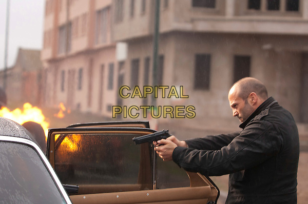 Jason Statham.in Killer Elite.*Filmstill - Editorial Use Only*.CAP/PLF.Supplied by Capital Pictures.