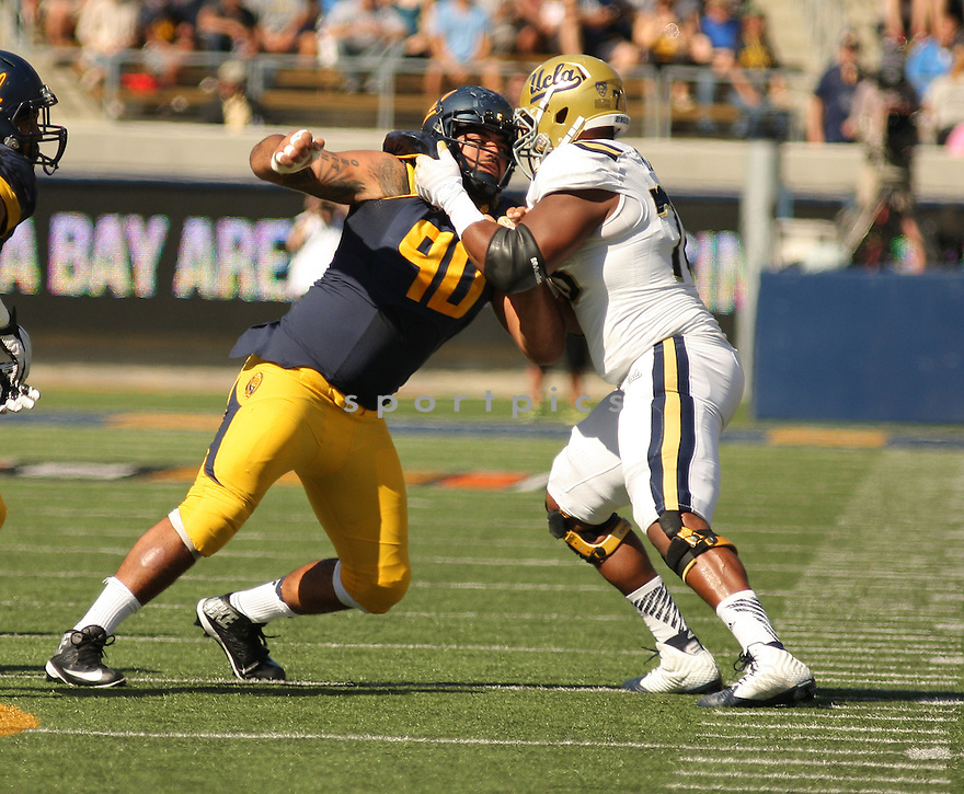 California Golden Bears Mustafa Jalil (90) during a game against the UCLA Bruins on October 18, 2014 at Memorial Stadium in Berkeley, CA. UCLA beat Cal 36-34.