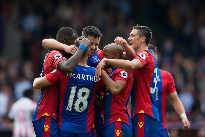 Crystal Palace's James McArthur celebrates scoring his sides third goal with teammates <br /> <br /> Photographer Craig Mercer/CameraSport<br /> <br /> The Premier League - Crystal Palace v Stoke City - Sunday September 18th 2016 - Selhurst Park - London<br /> <br /> World Copyright &copy; 2016 CameraSport. All rights reserved. 43 Linden Ave. Countesthorpe. Leicester. England. LE8 5PG - Tel: +44 (0) 116 277 4147 - admin@camerasport.com - www.camerasport.com