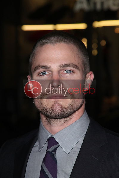 Stephen Amell<br />