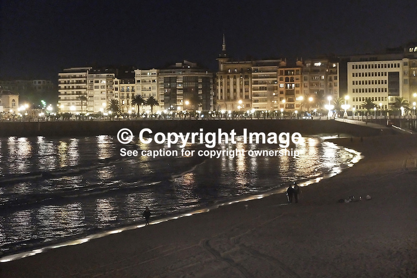 Night-time, image, San Sebastian, Donostia, Spain, and Bahia de La Concha, Seashell Bay, May, 2015, 201505111055<br />