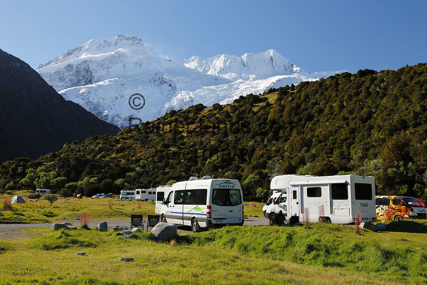 New Zealand, South Island, Canterbury region, Mount Cook National Park: White Horse Hill campsite | Neuseeland, Suedinsel, Region Canterbury, Mount Cook National Park: White Horse Hill Campingplatz