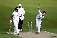 PICTURE BY VAUGHN RIDLEY/SWPIX.COM - Cricket - County Championship Div 2 - Yorkshire v Kent, Day 1 - Headingley, Leeds, England - 05/04/12 - Yorkshire's Iain Wardlaw.