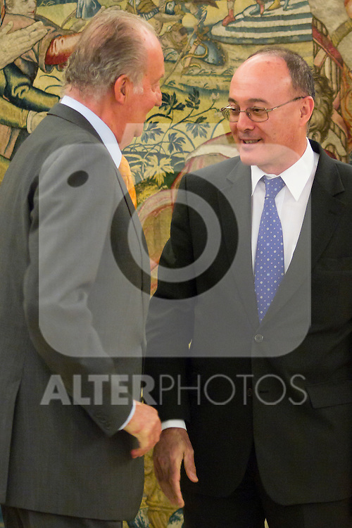 17.07.2012. King Juan Carlos I of Spain receives Mr. Luis Maria Linde Castro, Governor of the Bank of Spain at the Zarzuela Palace in Madrid. In the image Juan Carlos de Borbon and Luis Maria Linde Castro (Alterphotos/Marta Gonzalez)