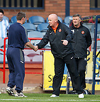 Peter Houston shakes hands of city rival manager Barry Smith at end