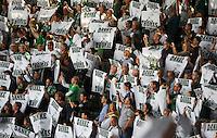 FUSSBALL   1. BUNDESLIGA   SAISON 2013/2014   2. SPIELTAG SV Werder Bremen - FC Augsburg       11.08.2013 Bremer Fan-Choreografie mit dem Thema DANKE THOMAS