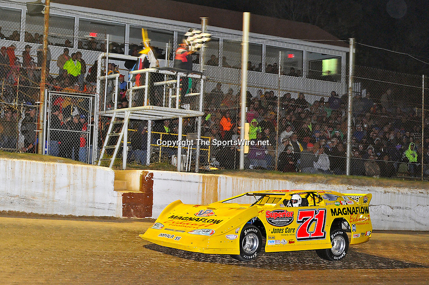Oct 15, 2011; 11:35:48 PM; Chillicothe, OH ., USA; The 31st Annual U.S. Steel Dirt Track World Championship presented by Sunoco at K-C Raceway, a $50,000-to-win event on the Lucas Oil Late Model Dirt Series.  Mandatory Credit: (thesportswire.net)
