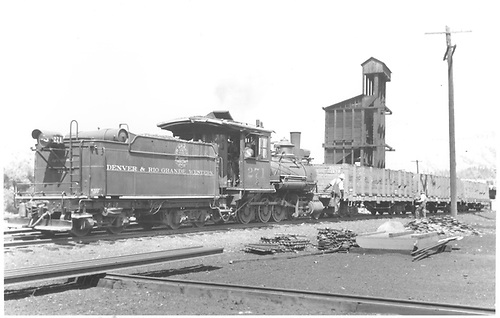 3/4 rear engineer's-side view of D&amp;RGW #271 switching gondolas in the Durango yards.<br /> D&amp;RGW  Durango, CO  Taken by Thode, Jackson C. - 8/1939