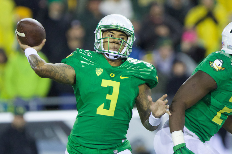 Oct 07, 2015; Eugene, OR, USA; Oregon Ducks quarterback Vernon Adams Jr. (3) makes a throw against the California Golden Bears at Autzen Stadium. <br /> Photo by Jaime Valdez