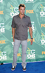 Actor Josh Duhamel arrives at the 2008 Teen Choice Awards at the Gibson Amphitheater on August 3, 2008 in Universal City, California.