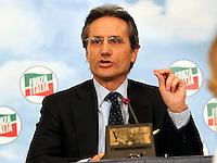 Silvio Berlusconi  a Napoli  Durante il  il suo tour a sostegno dei candidati presidenti alle prossime elezioni regionali<br /> nella foto   Stefano Caldoro