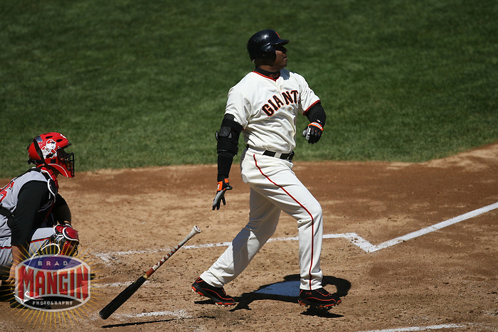 Barry Bonds. Baseball: Cincinnati Reds vs San Francisco Giants at AT&T Park in San Francisco, CA on August 27, 2006. Photo by Brad Mangin