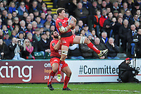Juan Smith of Toulon wins the ball in the air. European Rugby Champions Cup match, between Bath Rugby and RC Toulon on January 23, 2016 at the Recreation Ground in Bath, England. Photo by: Patrick Khachfe / Onside Images