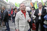 - Marsiglia (Francia),  Forum Mondiale dell' Acqua, manifestazione di protesta del Forum Alternativo contro la privatizzazione dell'acqua; Jos&eacute; Bov&eacute;, leader di Conf&eacute;d&eacute;ration Paysanne e Via Campesina<br /> <br /> - Marseille (France),  World  Water Forum , protest march organized by the Alternative Forum against privatization of water Conf&eacute;d&eacute;ration; Jos&eacute; Bov&eacute;, leader of Conf&eacute;d&eacute;ration Paysanne and Via Campesina