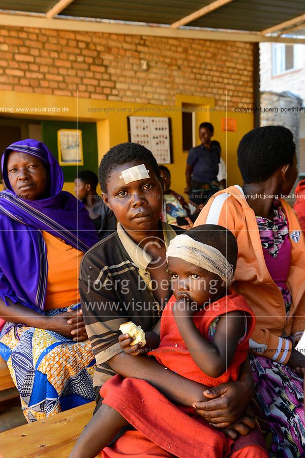 RUANDA, Butare, Institut Saint Boniface, Krankenstation Gikonko, Rezeption und Wartesaal