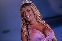 SAO PAULO, SP, 01 DEZEMBRI 2012 - MISS BUMBUM - A Miss Bumbum Pará, Carine Felizardo, vence o Miss Bumbum 2012, na rua Frei Caneca, na Bela Vista, centro de São Paulo, na noite de ontem (30). Ao todo, 27 candidatas representaram seus estados na escolha do bumbum mais bonito do país. (FOTO: ADRIANA SPACA / BRAZIL PHOTO PRESS).