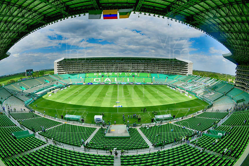 PALMIRA - COLOMBIA, 01-09-2019: Vista panorámica del estadio previo al partido entre Deportivo Cali y Deportivo Pasto por la fecha 9 de la Liga Águila II 2019 jugado en el estadio Deportivo Cali de la ciudad de Palmira. / Panoramic view of the stadium prior the match for the date 9 between Deportivo Cali and Deportivo Pasto of the Aguila League II 2019 played at Deportivo Cali stadium in Palmira city. Photo: VizzorImage / Nelson Rios / Cont