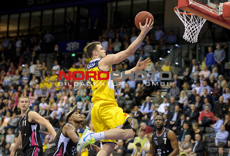11.04.2015, EWE Arena, Oldenburg, GER, Beko BBL Top Four, Halbfinale, EWE Baskets Oldenburg vs Telekom Baskets Bonn, im Bild Chris Kramer (Oldenburg #4)<br /> <br /> Foto &copy; nordphoto / Frisch