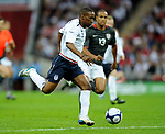 Jermaine Defoe of England runs at the American defence during the Friendly International match at Wembley Stadium, London. Picture date 28th May 2008. Picture credit should read: Simon Bellis/Sportimage