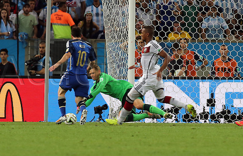 13.07.2014. Rio de Janeiro, Brazil. World Cup Final. Germany v Argentina. Neuer saves in front of Messi