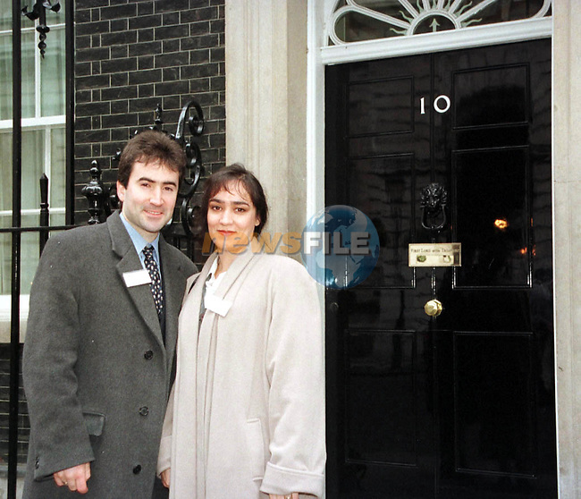 Robert      pictures outside No 10 Downing street, During there Peace Trail 1999 London Visit.Manditory Byline: Fran Caffrey / Newsfile in London