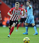 Steven Davis of Southampton<br /> - Barclays Premier League - Southampton vs Manchester City - St Mary's Stadium - Southampton - England - 30th November 2014 - Pic Robin Parker/Sportimage