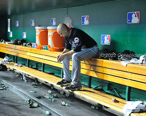 New York Mets pitcher Dillon Gee (35) has a moment alone in the dugout after leaving the game in the seventh inning against the Washington Nationals at Nationals Park in Washington, D.C. on Friday, July 29, 2011.  The Mets won the game 8 - 5..Credit: Ron Sachs / CNP.(RESTRICTION: NO New York or New Jersey Newspapers or newspapers within a 75 mile radius of New York City)