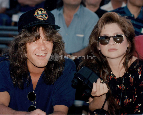 Eddie Van Halen & wife Valerie Bertinelli 1992<br /> Photo By John Barrett-PHOTOlink.net / MediaPunch