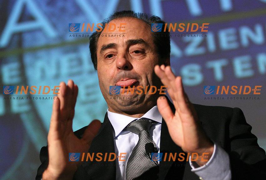 Roma, 10/11/2006 Convegno Confapi dal titolo &quot;Genio privato e pubblica virt&ugrave;&quot;. Nella foto Antonio Di Pietro, Ministro delle Infrastrutture. <br /> Photo Samantha Zucchi INSIDE (www.insidefoto.com)