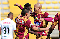 BOGOTA - COLOMBIA -03-10-2015: Marco Perez jugador del Deportes Tolima  celebra su gol contra el Cortulua  durante partido  por la fecha 15 de la Liga Aguila II 2015 jugado en el estadio Metropolitano de Techo  / Marco Perez player of Deportes Tolima  celebrates his goal  against of Cortulua   during a match for the fifteen date of the Liga Aguila II 2015 played at  Metroplitano de Techo stadium in Bogota city. Photo: VizzorImage / Felipe Caicedo / Staff.