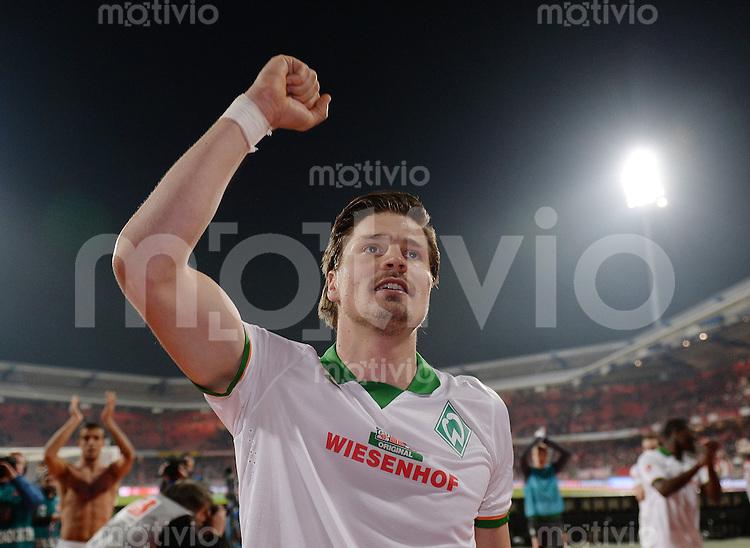 Fussball  1. Bundesliga  Saison 2013/2014  24. Spieltag 1. FC Nuernberg - Werder Bremen      08.03.2014 Schlussjubel Werder Bremen, Sebastian Proedl,