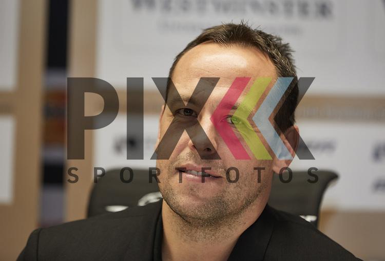 Marco Sturm, Bundestrainer Team Deutschland, <br /> <br /> Eishockey, Deutschland-Cup 2016, Pressekonferenz, Augsburg, 02.11.2016<br /> <br /> Foto &copy; PIX-Sportfotos *** Foto ist honorarpflichtig! *** Auf Anfrage in hoeherer Qualitaet/Aufloesung. Belegexemplar erbeten. Veroeffentlichung ausschliesslich fuer journalistisch-publizistische Zwecke. For editorial use only.