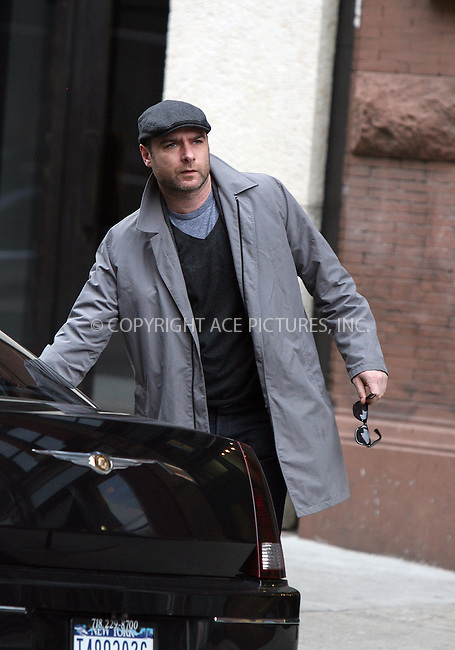 WWW.ACEPIXS.COM ************....Exclusive - all rounder....January 26 2010, New York City....Actor Liev Schreiber left his NoHo apartment on January 26 2010 in New York City........Please byline: PHILIP VAUGHAN - ACEPIXS.COM.. *** ***  ..Ace Pictures, Inc:  ..tel: (646) 769 0430..e-mail: info@acepixs.com..web: http://www.acepixs.com