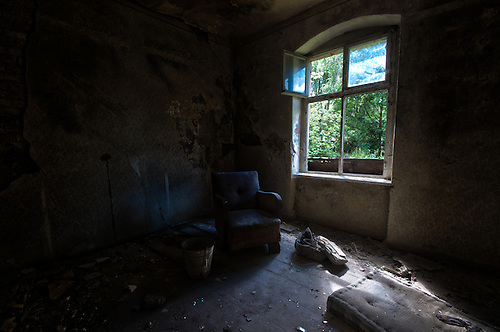 Some old abandoned buildings found near Berlin, with and old sofa still there, I like the warmth to this. This buidlig was very dangerous. The celler was flooded to just under the floor, and the floor was ready to give way.