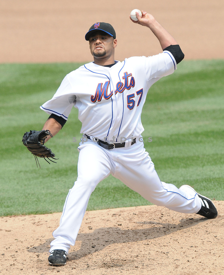 JOHAN SANTANA, of the New York Mets  in action against the St. Louis Cardinals  during the Mets game in New York, New York on July 27,  2008... The Mets won the game 9-1