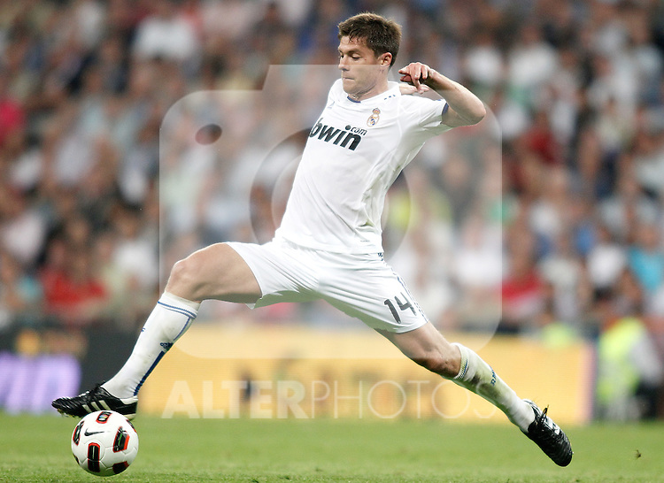 Real Madrid's Xabi Alonso during La liga match. September 21, 2010. (ALTERPHOTOS/Alvaro Hernandez).
