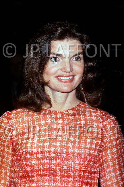 May 15th, 1974, Washington DC: Jacqueline Kennedy Onassis at the fund raising dinner held by The Democratic Study Group in honour of Governor W. Averell Harriman at the Sheraton Park Hotel in Washington. She was one of the special guests at the event. Photo: JP Laffont