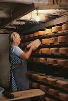 Europe/France/Midi-Pyrénées/09/Ariège/Env. de Castillon-en-Couserans/Ayet: Salage des fromages de bethmale en cave [Non destiné à un usage publicitaire - Not intended for an advertising use]<br /> PHOTO D'ARCHIVES // ARCHIVAL IMAGES<br /> FRANCE 1980
