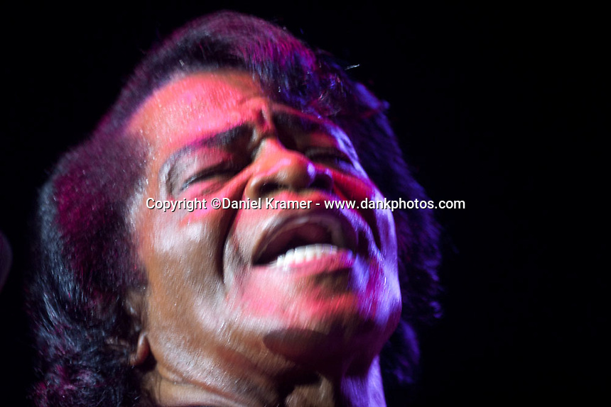 James Brown performs at the Verizon Wireless Theater in Houston, Texas on May 9, 2006.