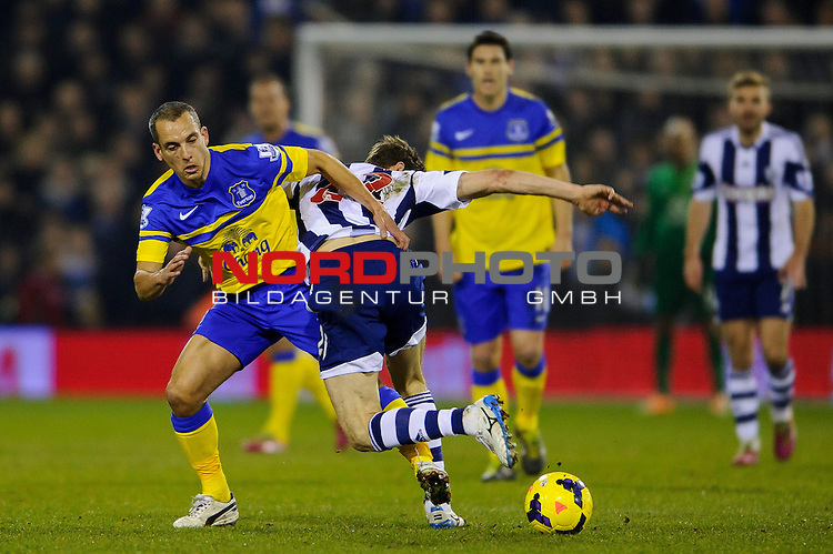 Everton Midfielder Leon Osman (ENG) is shoved by West Brom Midfielder Zoltan Gera -  - 20/01/2014 - SPORT - FOOTBALL - The Hawthorns Stadium - West Bromwich Albion v Everton - Barclays Premier League.<br /> Foto nph / Meredith<br /> <br /> ***** OUT OF UK *****