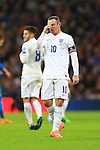 Wayne Rooney of England looks dejected - England vs. Slovenia - UEFA Euro 2016 Qualifying - Wembley Stadium - London - 15/11/2014 Pic Philip Oldham/Sportimage