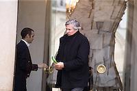 STEPHANE LE FOLL , MINISTRE DE L AGRICULTURE QUITTE LE PALAIS DE L'ELYSEE APRES LE CONSEIL DES MINISTRES DU 11 JANVIER 2017 A PARIS.