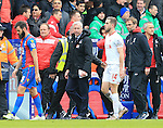 Crystal Palace's Alan Pardew talks to Liverpool's Jordan Henderson at half time<br /> <br /> - English Premier League - Crystal Palace vs Liverpool  - Selhurst Park - London - England - 6th March 2016 - Pic David Klein/Sportimage