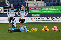 Wycombe Wanderers player warm up ahead of the Sky Bet League 2 match between Luton Town and Wycombe Wanderers at Kenilworth Road, Luton, England on 26 December 2015. Photo by David Horn.
