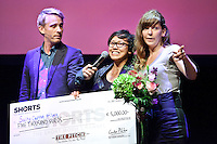 Utrecht, 2 oktober 2014<br /> Nederlands FIlm Festival 2014<br /> NFF Talkshow olv Art Rooijakkers.<br /> Shorts Award voor Salty Carrot Films, <br /> Amanda Perino, Nataria Rajabi en Marina Notrima<br /> Foto Felix Kalkman